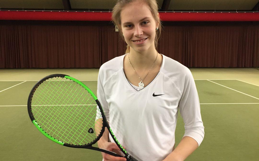 Estelle Eberlein gewinnt U18 Turnier beim PSV Mühlheim