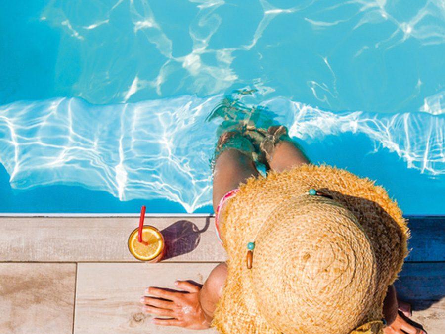"""""""Lazy Sunday"""" am Pool"""